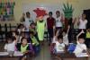 Estudiantes de educación inicial de uno de los salones reciben el taller