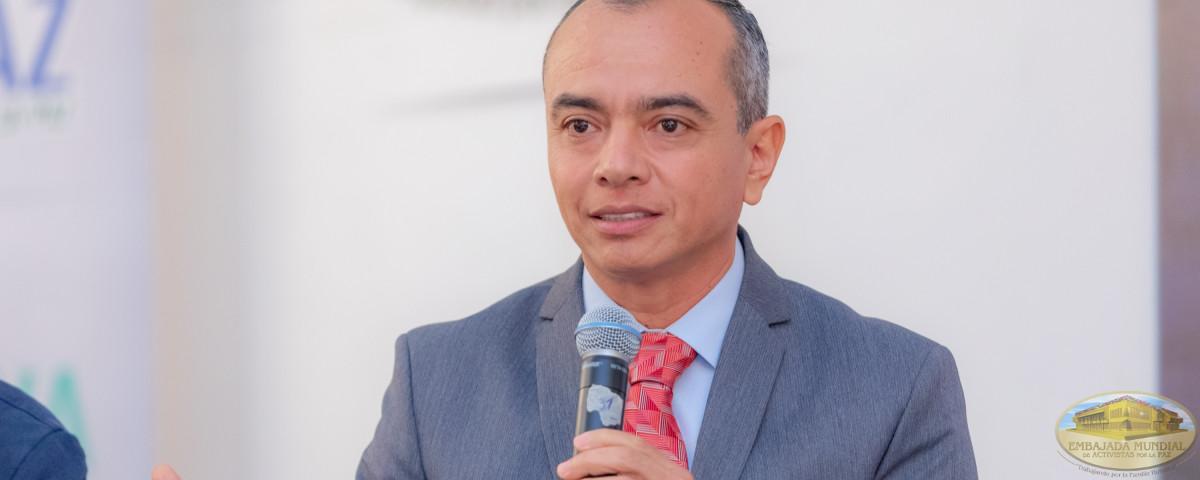 Rector Julián Aguilar Estrada