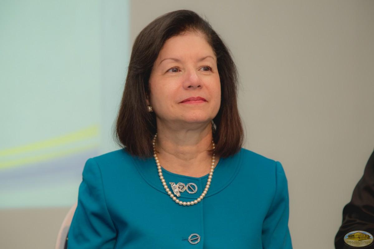 Lcda. Maritza Arroyo | Firma de convenio entre UMECIT y EMAP