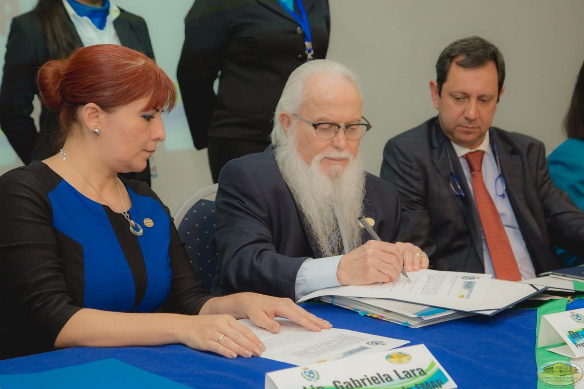 Firma de convenio entre UMECIT y EMAP