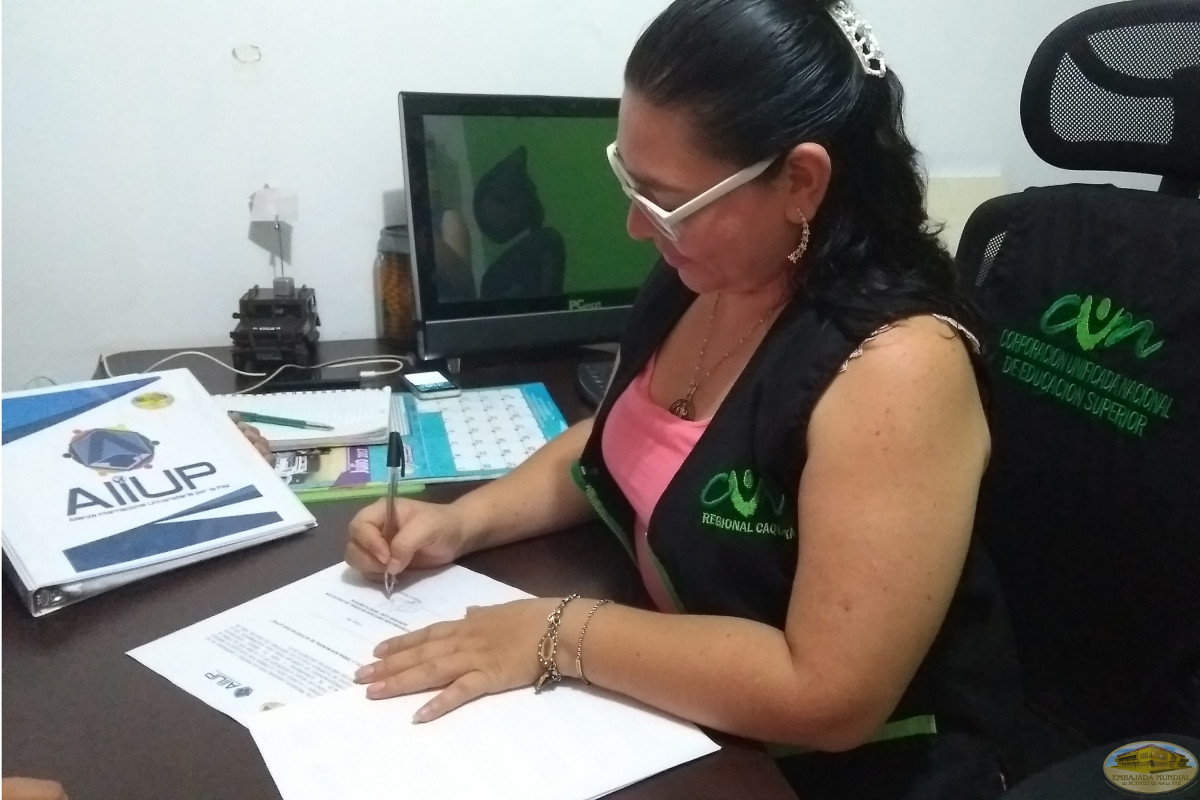En Colombia se ratifican convenios para trabajar por la paz