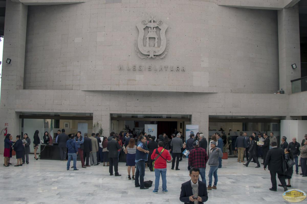 Firma del convenio de colaboración entre la ALIUP y Organizaciones universitarias de Veracruz.