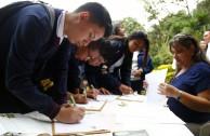 "Autoridades municipales de Cundinamarca participan en el Foro Universitario ""Educar para Recordar"""