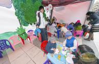 Niños dibujan en la Plaza de Estudiantes