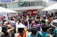 Bolivianos donaron