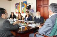 """Directivos de la Embajada presentaron el proyecto """"Huellas para no olvidar"""" en la Vicepresidencia de Costa Rica"""
