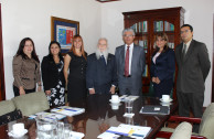 """Vice President of Costa Rica receives the campaign """"Traces to Remember"""""""