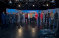 Participantes del Seminario Internacional Desafíos de la Educación Superior en el Desarrollo Humano y la Sociedad realizado en TV Educativa de Ciudad de México.