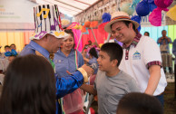 The children of the refuge camp participate in the dynamics of the happy world of the OSEMAP.