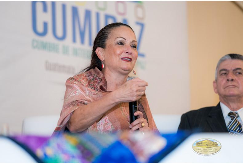 Rectora Vivian González Trejos