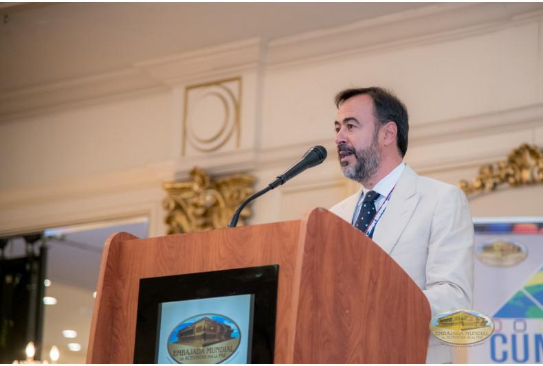 Moderador Dr. Ignacio Sell