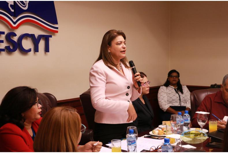 Viceministra de Extensión del MESCyT