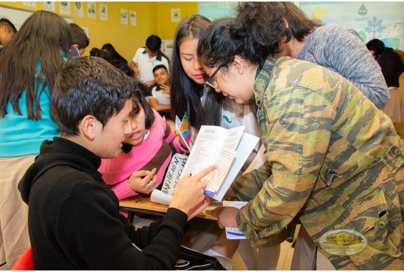Estudiantes llevan a cabo análisis