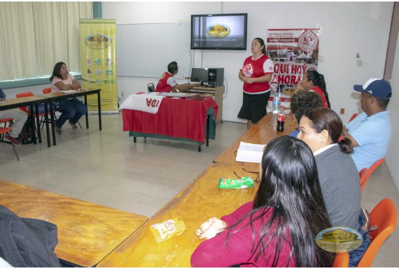 docentes la sesión educativa del PEC – VIDA