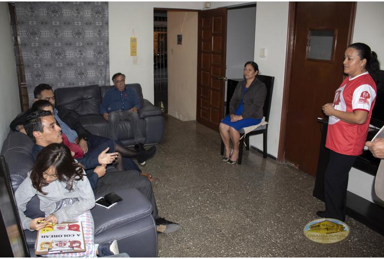 Participante explica cómo aplica sus valores en la familia