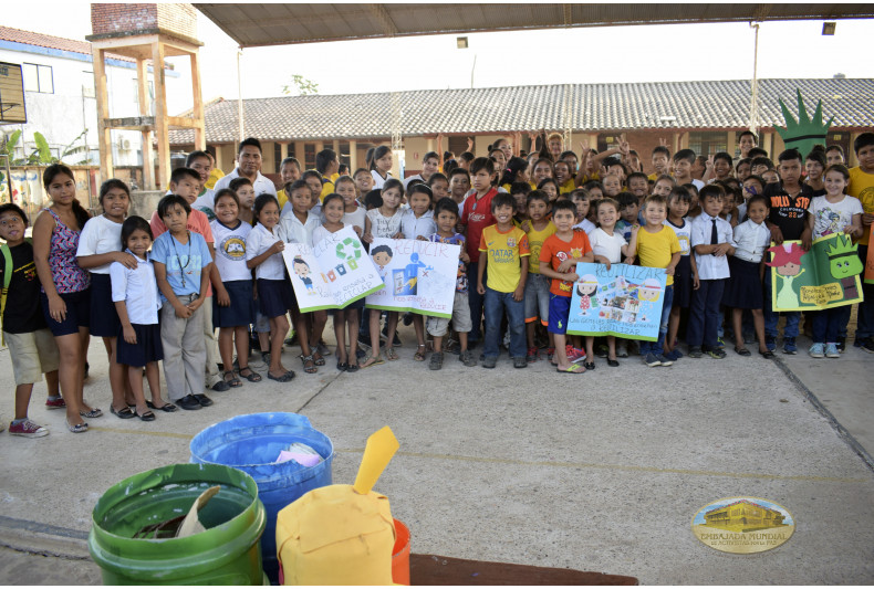 """Unidad Educativa """"Corina Hurtado de Suarez"""" finaliza con alegría la jornada ambiental"""