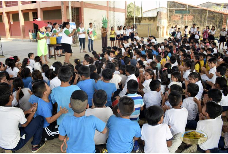 13 docentes junto a estudiantes hicieron parte del desarrollo del taller ambiental