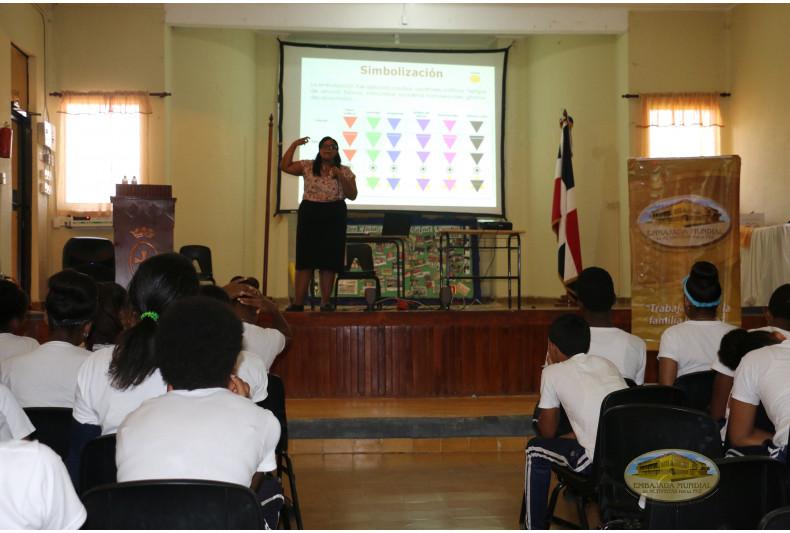 Participación de Susan Gil en taller educativo sobre Derechos Humanos