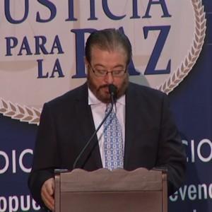 Julio Cesar Pineda Moderador