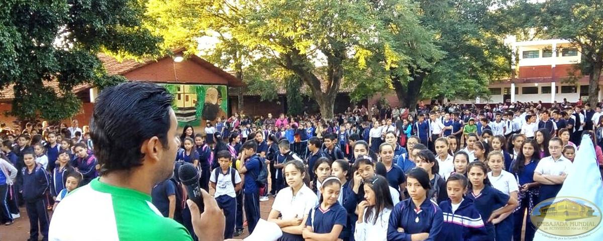 estudiantes de colegio de Gran Asunción