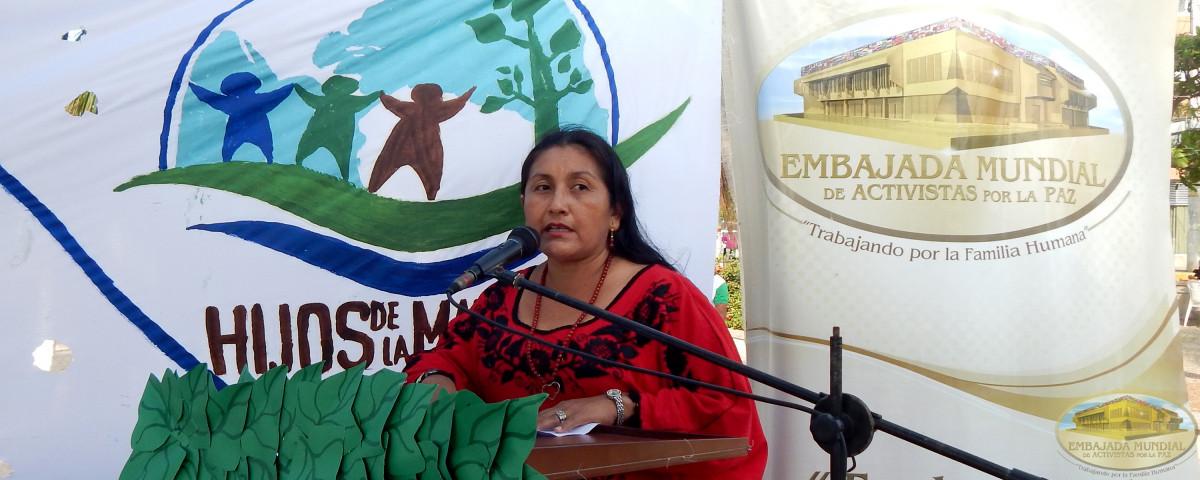 Directora de la Casa de Asuntos Indígenas de Rioacha, Ketty Pushaina apoyando la Proclama de Constitución de los Derechos de la Madre Tierra