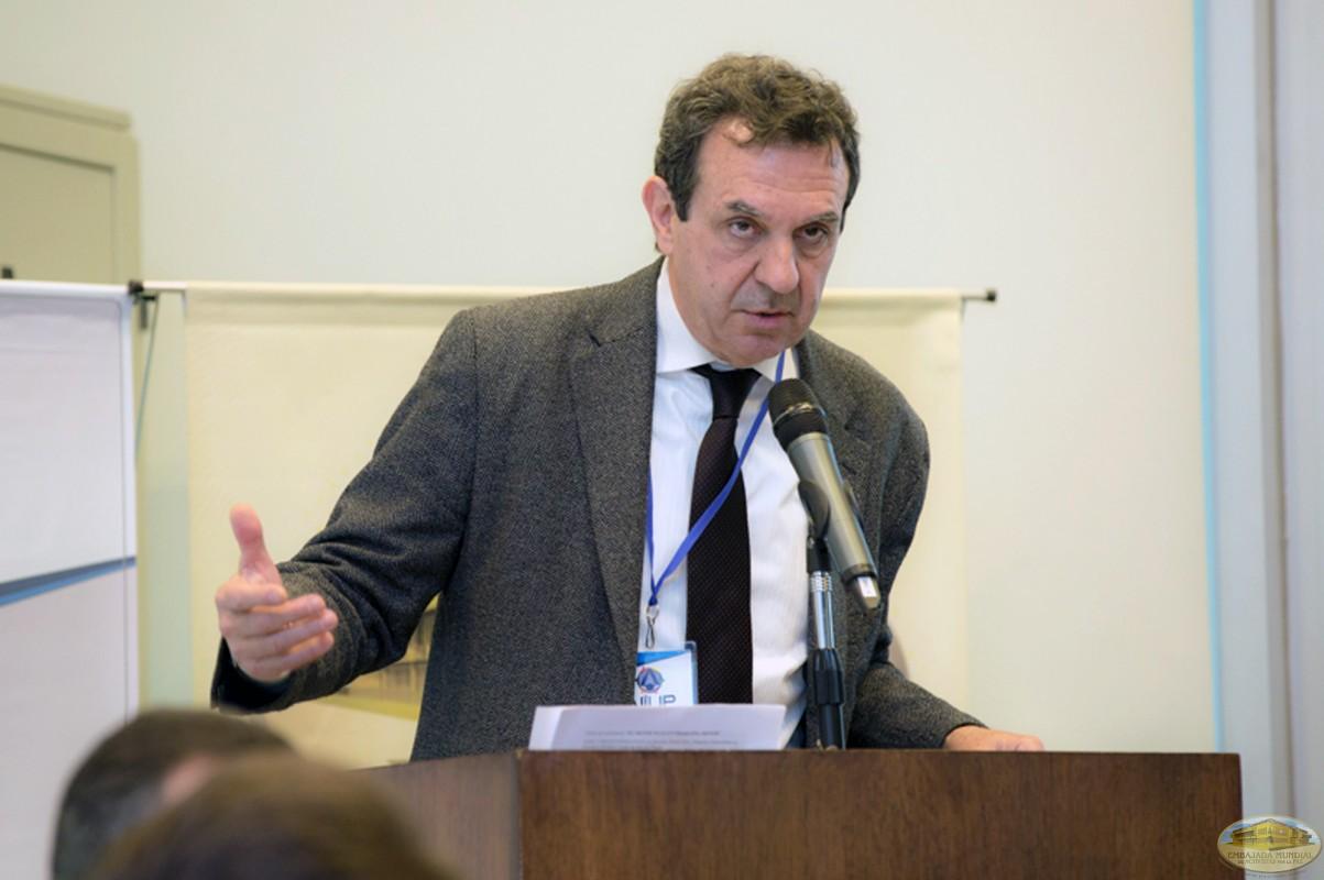El menor no es un problema menor -Dr. Carlos Parma
