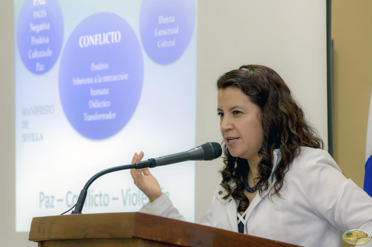 Gloria María Arca   Primer Seminario Taller de la ALIUP - Paraguay