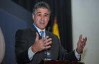 """Foro Judicial Internacional: """"Nuevas Propuestas para la Prevención y Sanción del Delito de Genocidio"""" en Colombia - Ponencias de la mañana"""