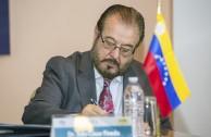 Julio César Pineda, Doctor en Derecho y Relaciones Internacionales, periodista y diplomático en carrera - Moderador