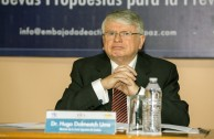 Dr. Hugo Dolmestch Urra (Chile), Ministro de la Corte Suprema de Justicia