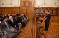 Comitiva internacional de la Embajada Mundial de Activistas por la Paz visita la Corte Suprema de Justicia de Chile el 3 de noviembre de 2015, en ocasión de celebrarse la CUMIPAZ 2015 en la ciudad de Santiago.