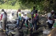 Voluntarios de la EMAP en Honduras realizaron limpieza del Río Tocoa
