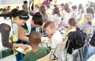 Estudiantes en España reconocen a la Madre Tierra como un ser vivo