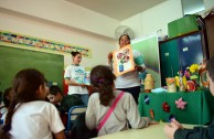 Elementary school children receive training on the ecological rule of the 5R's