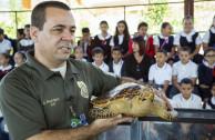 La Unidad Terrestre del Cuerpo de Vigilantes de Recursos Naturales de Guayama y la EMAP,  compartieron una educación ambiental con 241 estudiantes y 20 docentes de Cayey, Puerto Rico