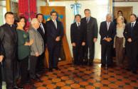 Representante de la Universidad Santo Tomás, Rosita Darlgotz, Sigmund Halstuch, Embajadores de Guatemala y Alemania, Jean Claude Bessudo, Stella Coiffman entre otras personalidades, acompañaron el acto en la Embajada de Guatemala.