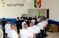 Policías y cadetes a oír sobre Democracia y el respeto de los Derechos Humanos.