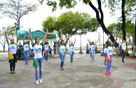 Activistas celebran con danzas día de la madre tierra.