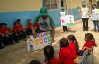 Niños de anzoategui aprenden sobre la importancia de reciclar.