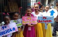 Estudiantes resaltan las 5R en actos culturales.