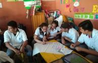 Alumnos aprendiendo