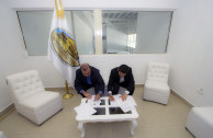 Signature of agreement.