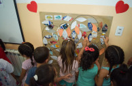 Sara Ines Barrera de Pellicer Kindergarten receive an instruction on the 5Rs.