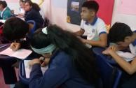 Estudiantes desarrollando