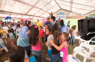 The children of the shelter of the La Industria farm, Escuintla, dance with the animals of the happy world of the OSEMAP.