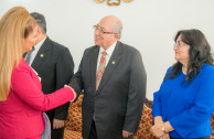 Magistrate Nery Oswaldo Medina Méndez and Judge Delia Marina Dávila Salazar at the reception of the Justice and Democracy Session of CUMIPAZ 2018