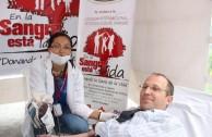 Gilad Berger, Cónsul de Israel, al momento de la donación.