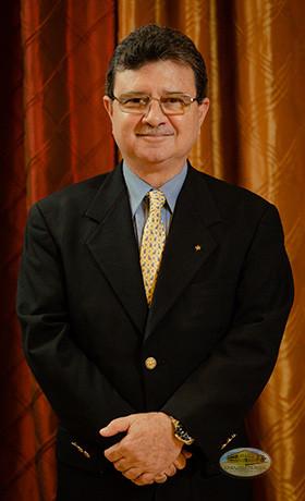 Oscar Vallarino