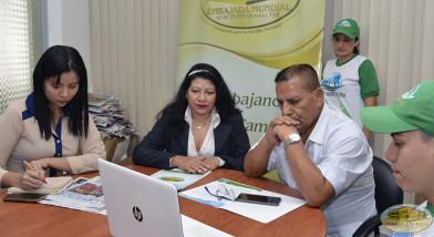 Raúl Quezada recibe proclama