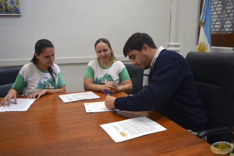 Firmando proclama
